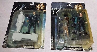 The X-Files Series 1 - Agent Fox Mulder and Dana Scully Action Figure in box