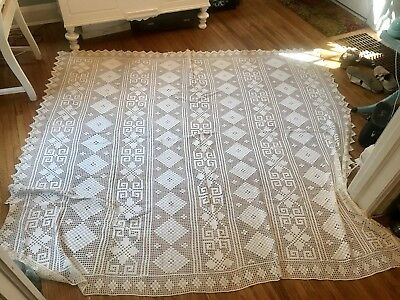 """Beautiful Vintage Ivory Hand Crocheted Bed Coverlet Spread~71 X 78""""~Nice!"""