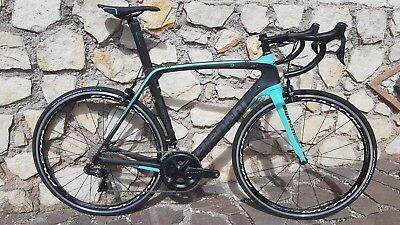 New £4700 Bianchi OLTRE XR3 di2 £1000 off ! Be quick