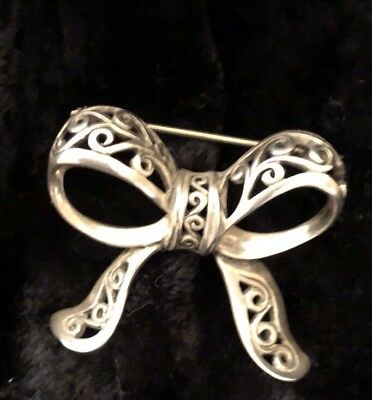 Vintage Sterling  Filigree Silver Bow Pin 💞Beautiful