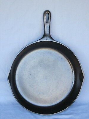 Vintage #10 Cast Iron Unmarked Wagner Skillet Fry Pan Restored~Seasoned