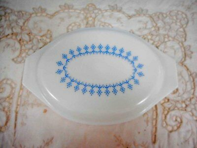 Vintage Pyrex, Milk Glass Pyrex 'Snowflake' Casserole Lid - Excellent Condition