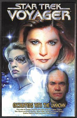 Star Trek Voyager: Encounters With the Unknown (GN)