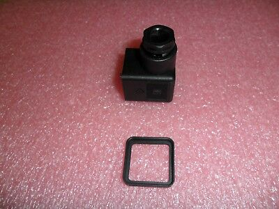 5100-31100 Solenoid Valve Connector Canfield (Lot Of 1)