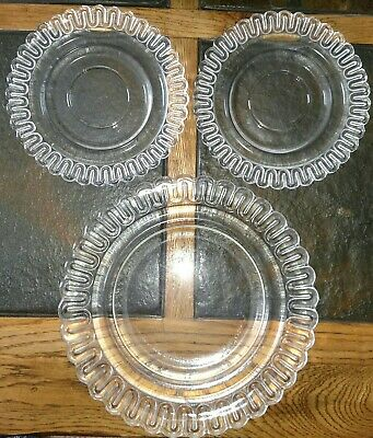 Vintage 1936 Indiana Glass Christmas Candy dessert/lunch/sandwich plate 6""