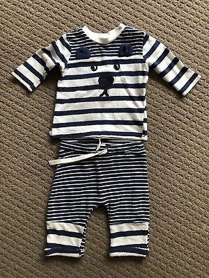 Baby Boy Seed Outfit. Size 000.