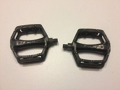 """1//2/"""" PLASTIC BICYCLE PEDALS FOR ONE PIECE CRANKS BMX FOR MOUNTAIN BICYCLES HY"""