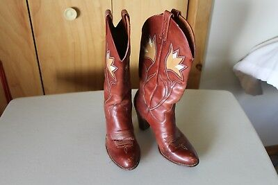 c1ff42ce4c8 VINTAGE DAN POST Brown Armadillo Skin Cowboy Western Boots Women's ...
