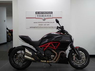 15 Reg Ducati Diavel Carbon Red Special Edition 1 Owner 1500 Miles Immaculate
