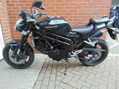 2015 (15) Hyosung Gt 650P Naked Immaculate Bike With Massive Saving On New