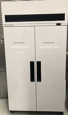 Skope 2 Door upright freezer model VF1000GP WHITE SOILD DOORS