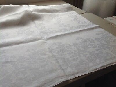 "Vtg White Irish Linen Double Damask Banquet Cloth W/5 Lapkins 124"" X 68"" #1D"