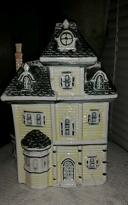 Victorian House Cookie Jar Unbranded Yellow White and Green - Very Heavy