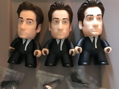 The X-Files Titans The Truth is Out There Collection *Mulder* w/gun Vinyl Figure