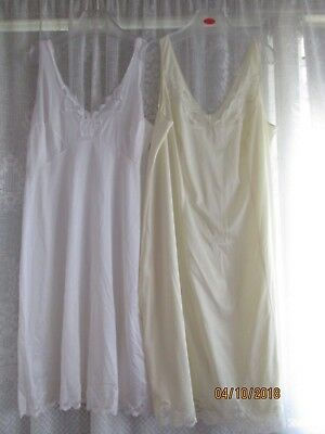 """KAYSER"""" FULL SLIPS x 2.VGC-Size 20. WIDE LACE STRAP"""
