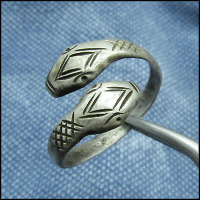 ** SNAKE HEADS ** ancient SILVER CELTIC RING !!!