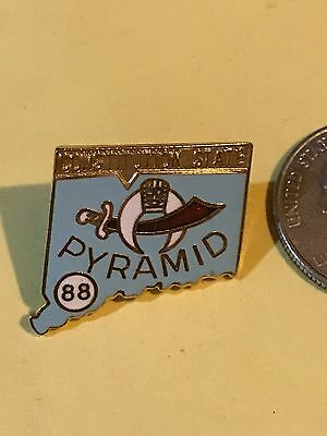 Free Masons Shriner Pyramid Temple 1988 Connecticut CONSTITUTION STATE Pin