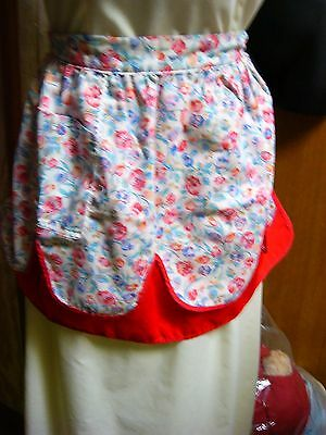 """""""""""reversible Apron - Red & Tulips On The Other Side"""""""""""