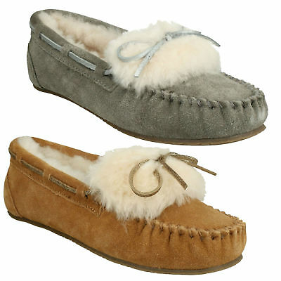 69a7aca500b Warm Glamour Ladies Clarks Suede Leather Fur Lined Indoor Moccasin Boat  Slippers