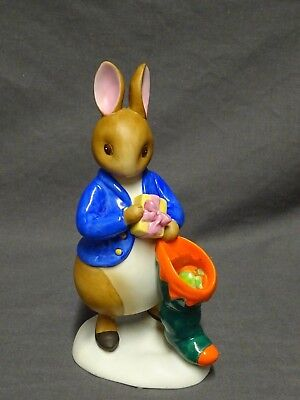 2003 Peter Rabbit And Friends Figure A3369 Peter Rabbit With Christmas Stocking