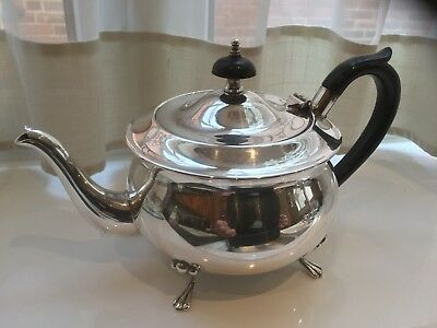Lovely Vintage Yeoman Silver Plated Footed Bachelor Tea Pot
