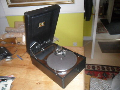 A fine HMV 102 working  gramophone phonograph with needles & records