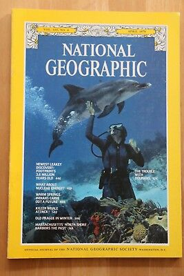 National Geographic Magazine Apr 1979 Dolphins, Leakey footprints discovery