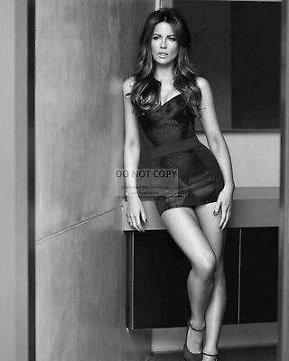 Actress Kate Beckinsale Pin Up - 8X10 Publicity Photo (Bb-805)