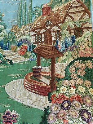 1930s DETAILED VINTAGE EMBROIDERED ENGLISH COUNTRY COTTAGE GARDEN WISHING WELL