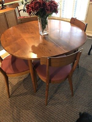 Declaration By Drexel Dining Room Table And Set. (Antique) Perfect Condition