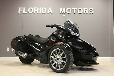 2014 Can-Am SPYDER ST LIMITED SE5  2014 CAN-AM SPYDER ST LIMITED SE5