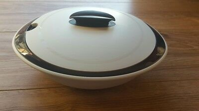 Tupperware Oval Insulated Server 2.1L - 5006A-2