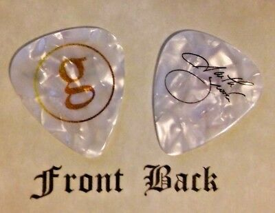 GARTH BROOKS band signature logo guitar pick -  (w)
