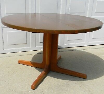 Mid Century Modern Skovby Furniture Round Danish Teak Dining Table (two leaves)