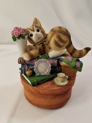 CALICO KITTENS BOOKS AND FLOWERS MUSIC BOX # 106955 Plays Beautiful Dreamer  120