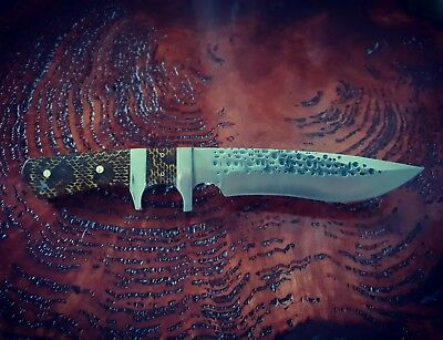 collectable hunting knife