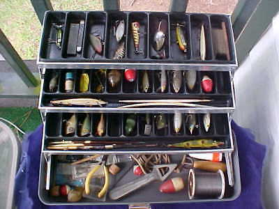Very Nice Vintage Umco 175 Us Tackle Box Full Of Old Lures As Found Estate Sale