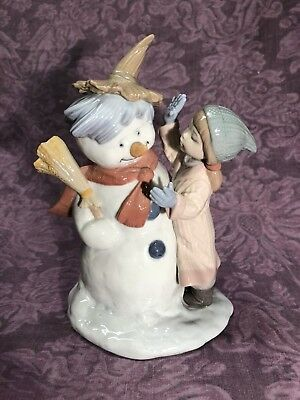 Lladro Winter Whimsy Collection - Talk To Me - Snowman Girl #8168 Hard To Find!