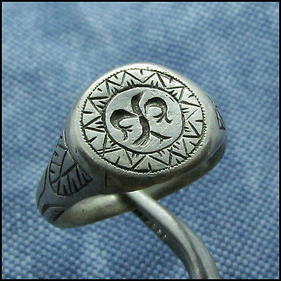 """  EAGLE in the SUN ""  ANCIENT SILVER ROMAN OR BYZANTINE RING!!!!"