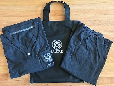 ** Singapore Airlines First Class Suites Lalique pajamas S **