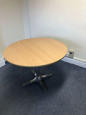 100 cm large, round, wood-effect office/Dining table