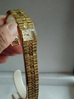 A beautiful Vintage ladies everite watch 17 jewels incabloc Swiss made working