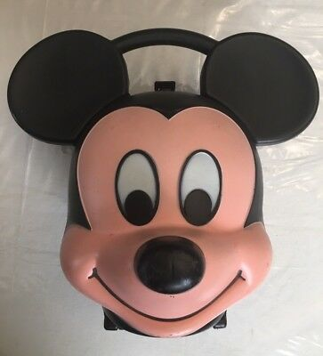 Mickey Mouse Lunchbox Distributed by Aladdin Industries W/Thermos a real Classic