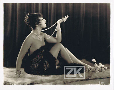 LUCY DORAINE Curtiz ADORATION Actrice Hongroise Hollywood Collier Perles 1928