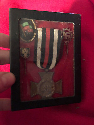 WWI World War One box collection pins 4 pieces