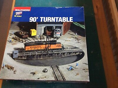 Walthers HO Scale 90' Turntable