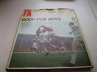 FA Book for Boys 17 1964-65 with DJ. RARE. VINTAGE. My ref 32
