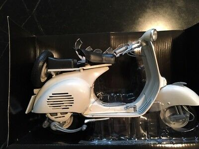 Handsome Die Cast Vespa Model 1:6 scale