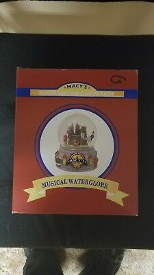 2008 Macy's Thanksgiving Day Parade Musical Waterglobe