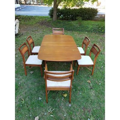Mid-Century Modern Dining Set - Table & 6 Chairs - by American of Martinsville